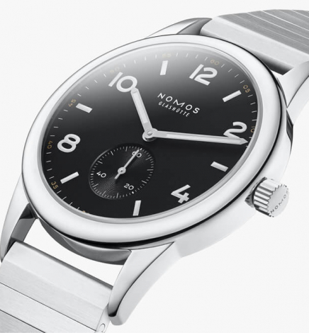 WOTW – The New Nomos Club Automatic Onyx Limited Edition